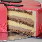 Mliječna čokoladna torta u obliku srca