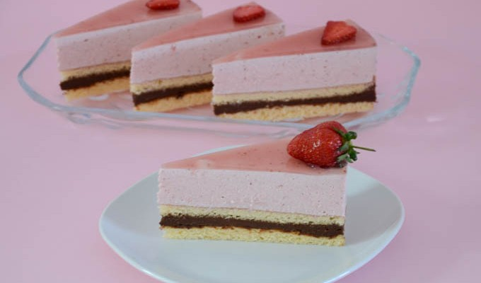 Torta od čokolade i jagoda izuzetnog okusa