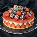 Dekorativna torta sa jagodama