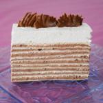 Rozen torta sa milka čokoladom i slatkim vrhnjem