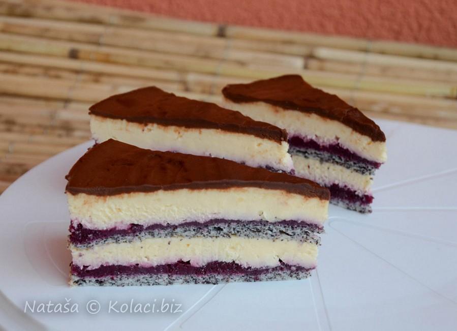 torta sa šumskim voćem