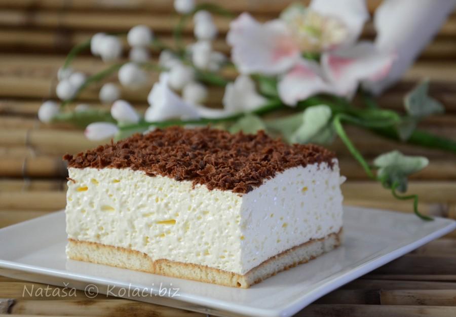 kolač sa keksom i pudingom
