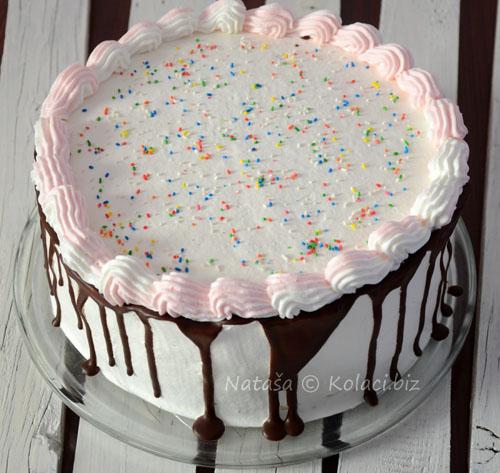 gotova-torta-sa-dekoracijom