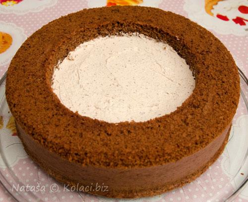slaganje-torte-prvi-sloj-kesten-fila