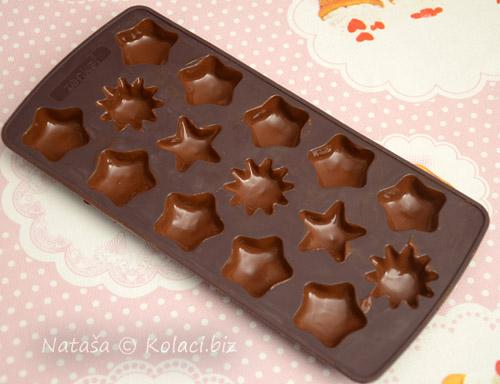cokolada-za-praline-pripremljena-za-hladenje