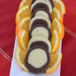Crno bijeli keksi sa koricom naranče