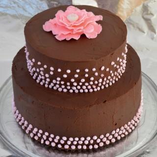 Dupla nougat torta dekorirana sa ganache kremom