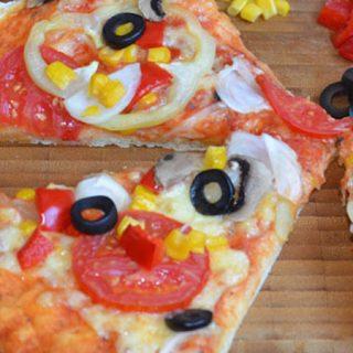 Lagana pizza sa povrćem (video)