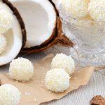 Kokos kuglice sa tri sastojka (video)