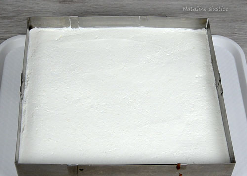 krema na kolaču