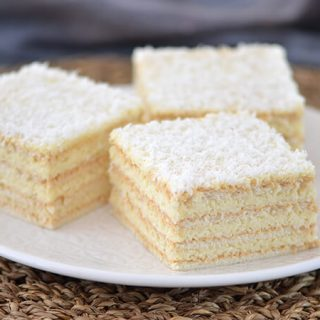 rafaelo kolač s kokosom