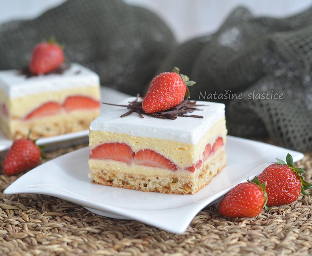 vanilija kolac s jagodama